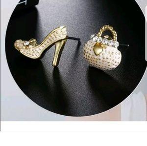 Cuter stud earrings